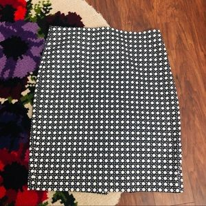 Ann Taylor Black & White Patterned Pencil Skirt